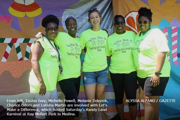Kandee Land volunteers